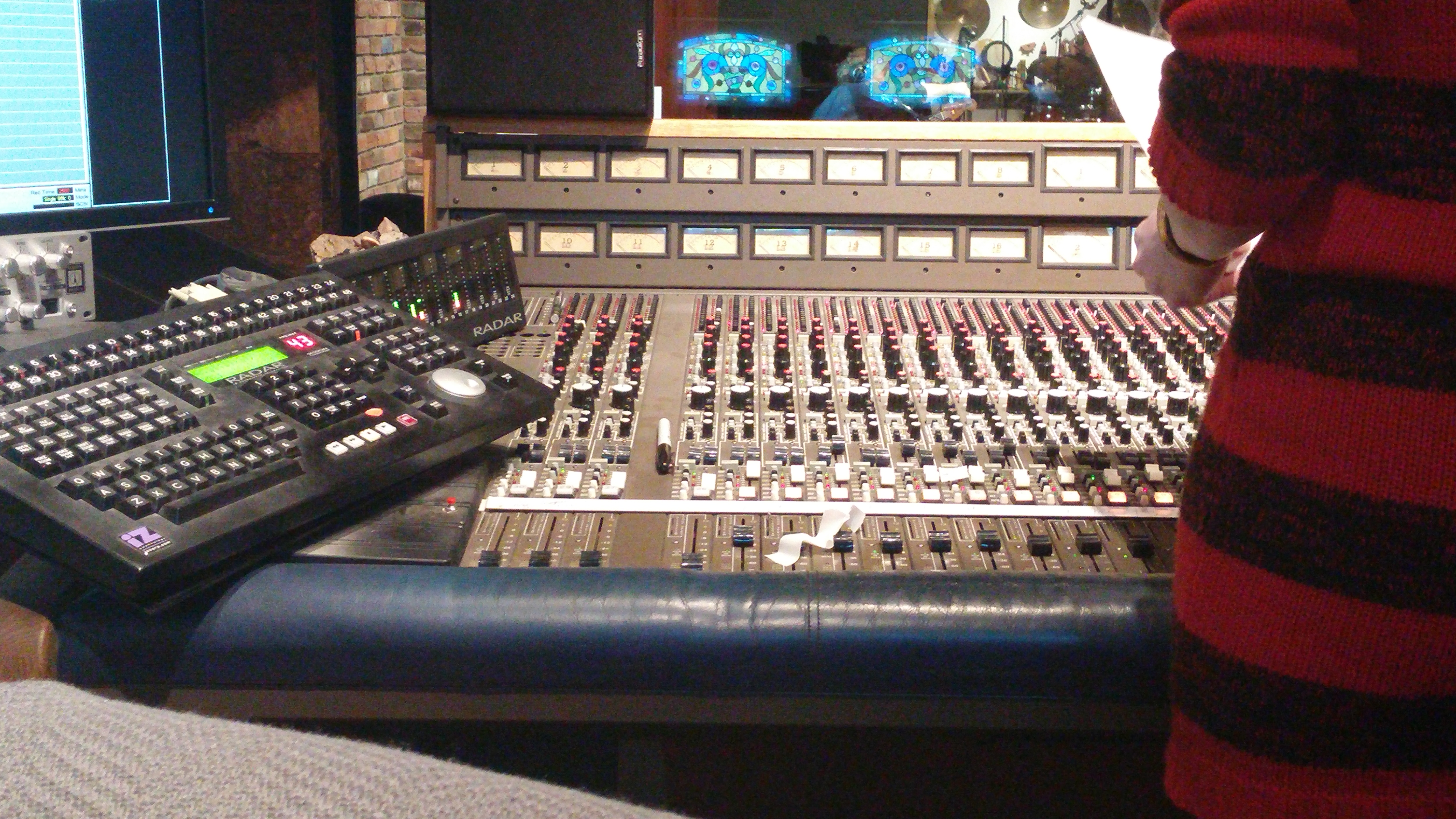 Chris Scott-soundboard-recordingstudio